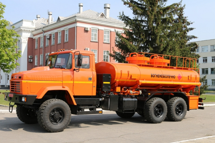 "JSC «Ukrgazdobycha"" Receives a Batch of APZ-10 Refuellers based on the KrAZ-63221 Chassis"