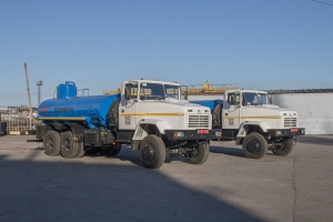 Oil and gas industrial tank truck on KrAZ-63221 basis for Ukrnafta